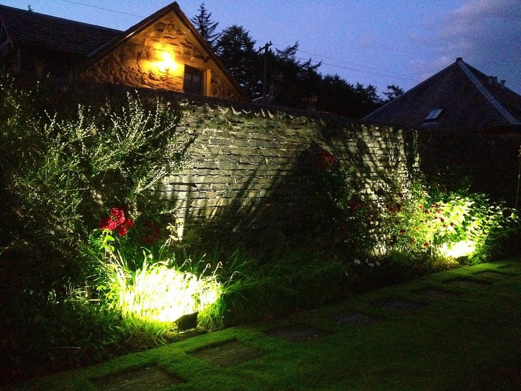 Simple-Exterior-Garden-Lights-Ideas